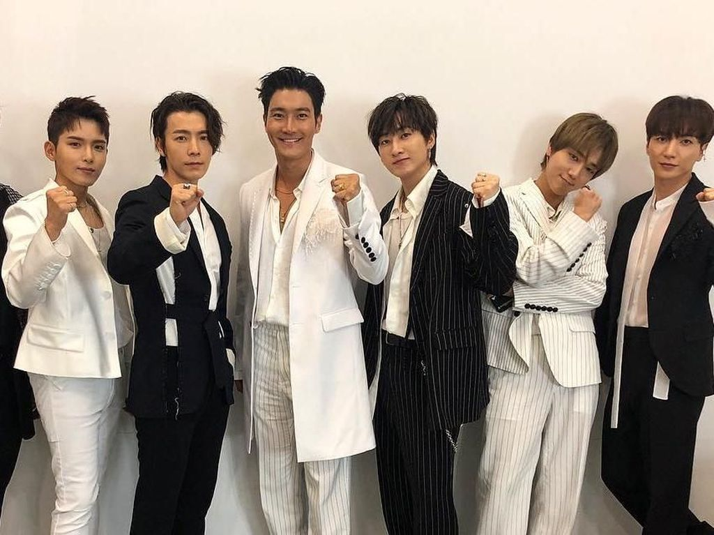 Kocak! Super Junior Goyang Dayung ala Jokowi di Penutupan Asian Games 2018