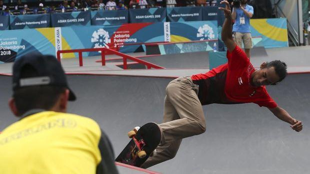 Pevi Permana pernah menyembunyikan patah tangan yang disebabkan oleh latihan skate board.