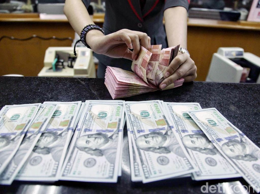 Dolar AS Masih Bertengger di Level Rp 14.073