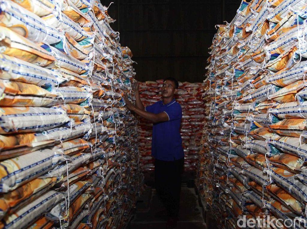 Stabilkan Harga, Bulog Guyur 15.000 Ton Beras/Hari