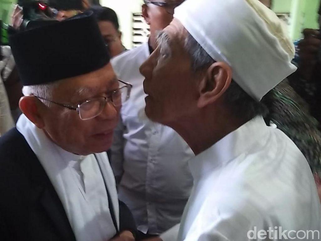 Tiba di Rembang, Maruf Amin Disambut Peluk dan Cium Mbah Moen