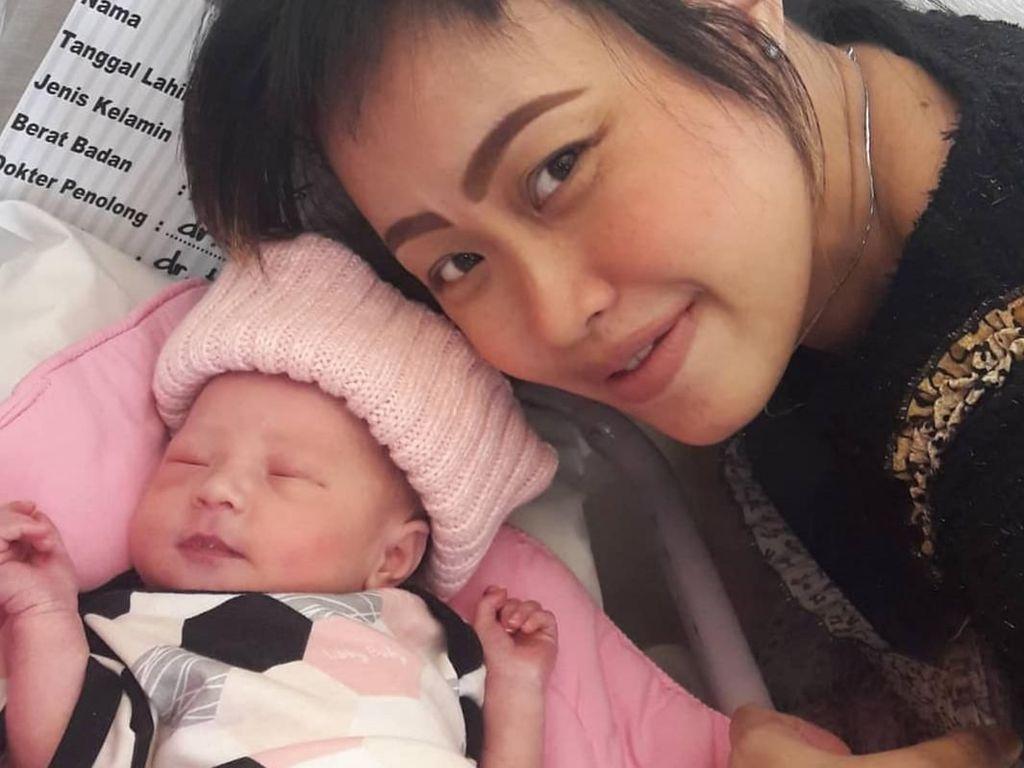 Bahagianya Pingkan Mambo Lahirkan Anak ke-6