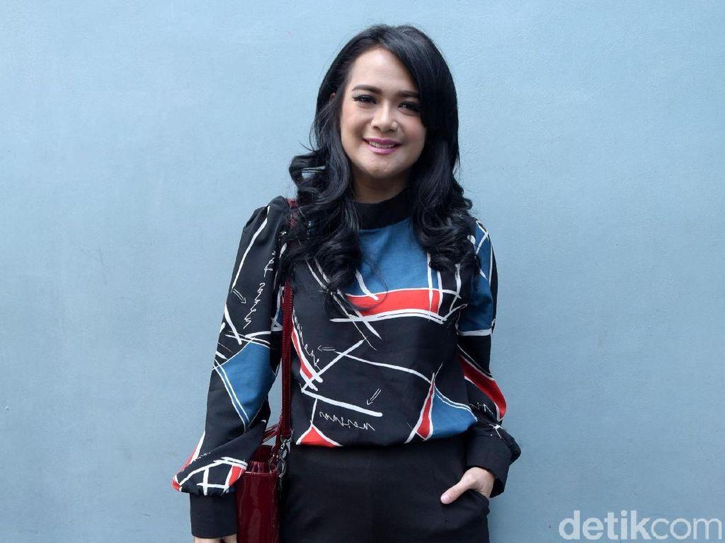 Shezy Proses Cerai, Sheza Idris Jadi Teman Curhat
