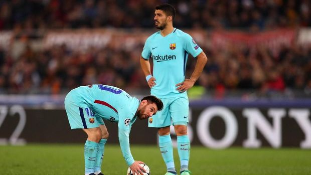 ROME, ITALY - APRIL 10: Lionel Messi of FC Barcelona and Luis Suarez of FC Barcelona during the UEFA Champions League Quarter Final Leg Two between AS Roma and FC Barcelona  at Stadio Olimpico on April 10, 2018 in Rome, Italy. (Photo by Catherine Ivill/Getty Images)