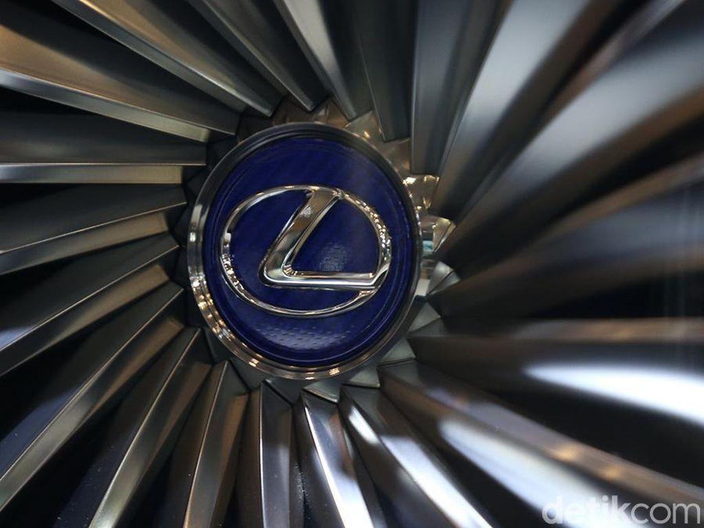 Toyota Pertimbangkan Produksi Lexus di China, di RI?