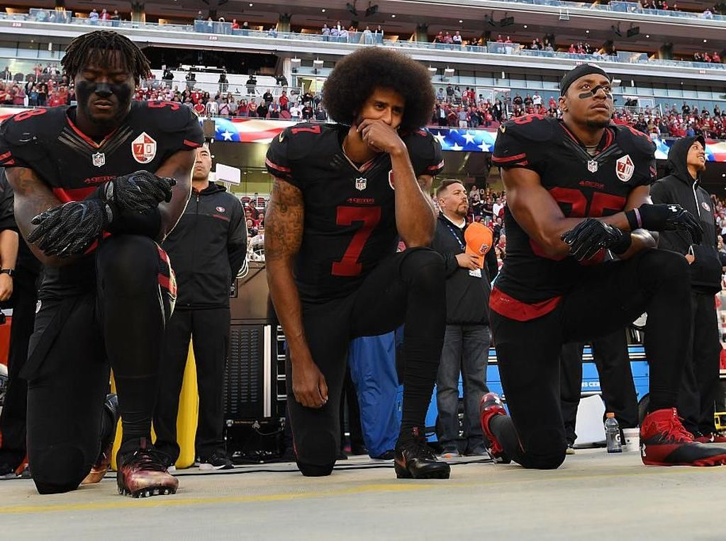 Atlet Colin Kaepernick Jadi Model Iklan Nike, Trump: Nike Akan Mati