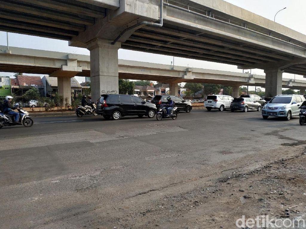 Bahayakan Pengendara, Jalan Utama Kalimalang Masih Bergelombang