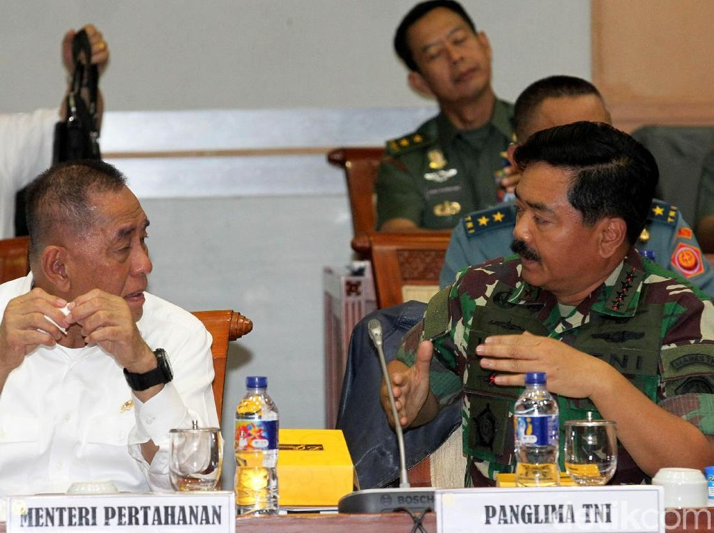 Kemenhan dan TNI Ajukan RAPBN 2019 di Rapat Bersama DPR