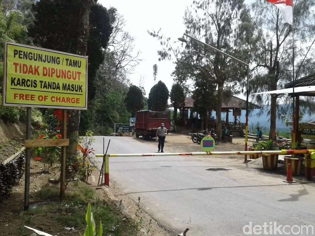 Papan Larangan Pungli Dipasang untuk Lindungi Turis Kawah Ijen