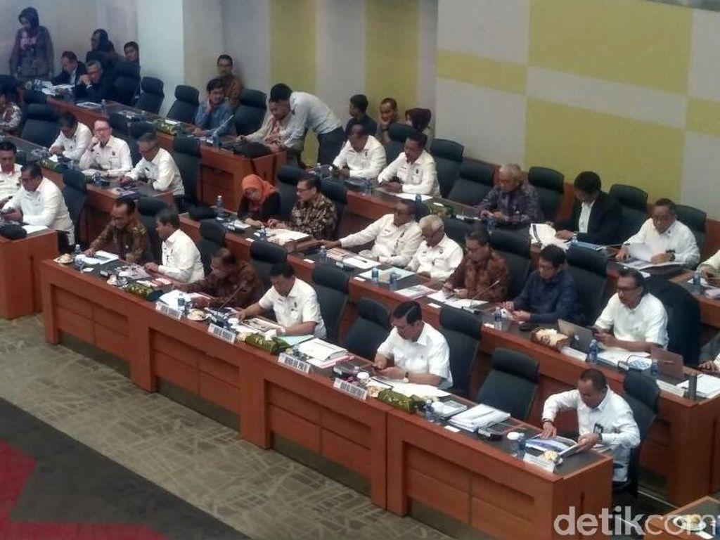 4 Menko Jokowi Rapat di DPR Bahas Anggaran 2019