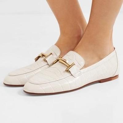 Sepatu kulit buaya dari merk Hermes. Foto: ist