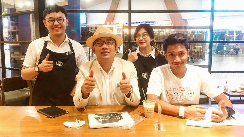 Ini Pose Akrab Emmeril Kahn, Anak Ridwan Kamil Saat Makan Bareng Keluarga