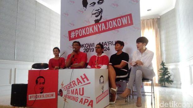 Wanda Hamidah-Dira Sugandi Deklarasi Pokoknya Jokowi