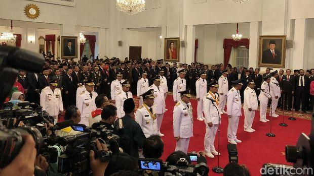 9 gubernur dan wakil gubernur dilantik Presiden Jokowi di Istana