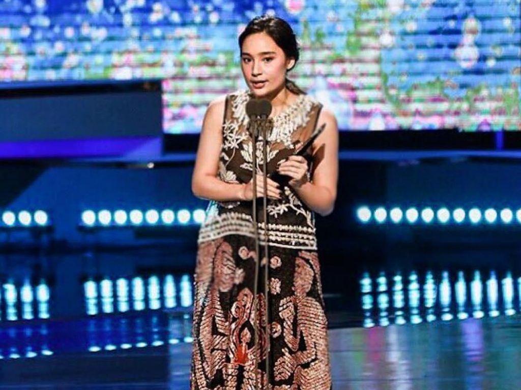 Bikin Iri! Tatjana Saphira Selfie Bareng Park Seo Joon