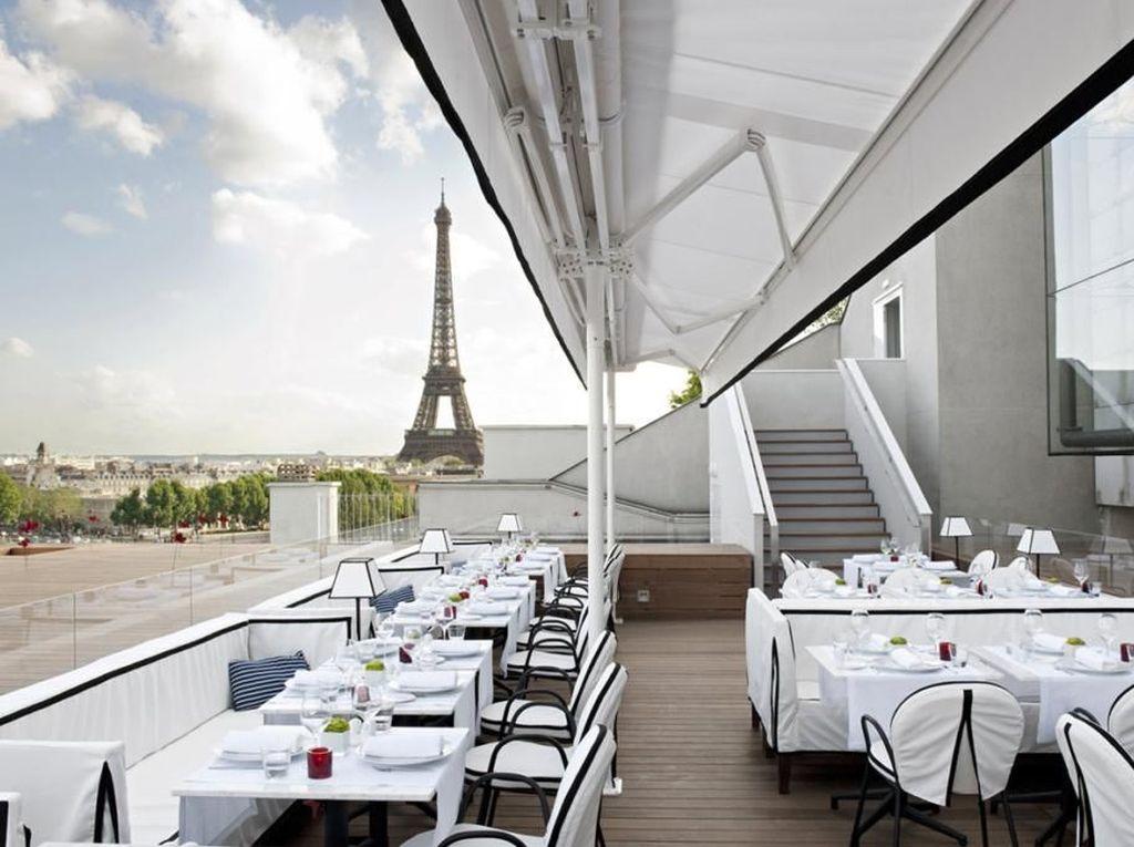 Romantisnya Makan di 5 Restoran dengan View Paling Cantik di Paris