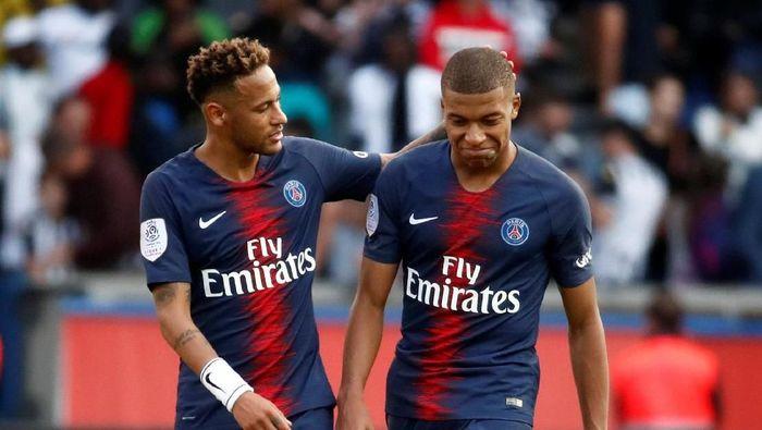 Pemain Paris Saint-Germain, Kylian Mbappe dan Neymar. (Foto: Christian Hartmann/Reuters)