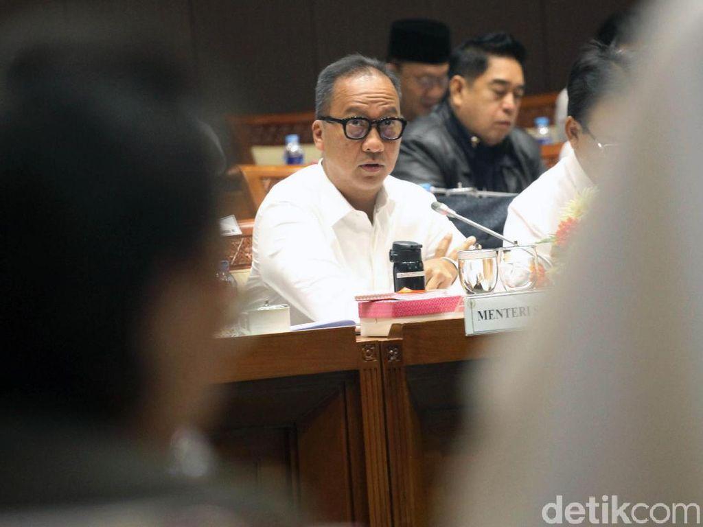Rapat Pertama Mensos Agus Gumiwang dengan Komisi VIII