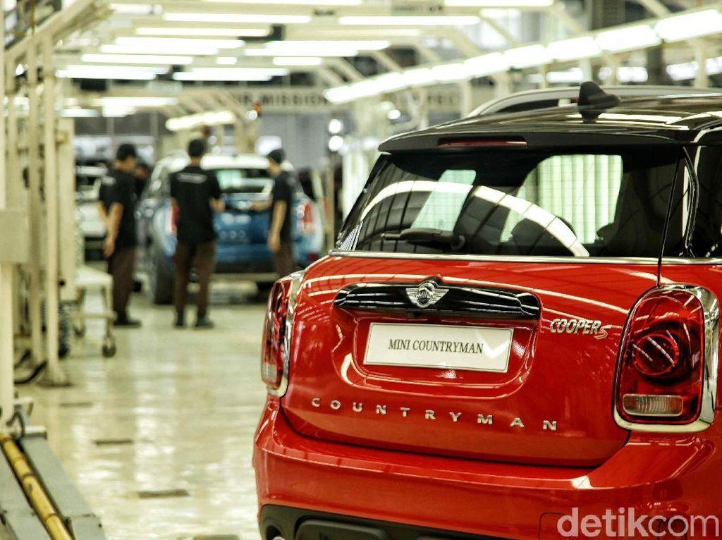 BMW PHK Ratusan Buruh Pabrik Perakitan Mini