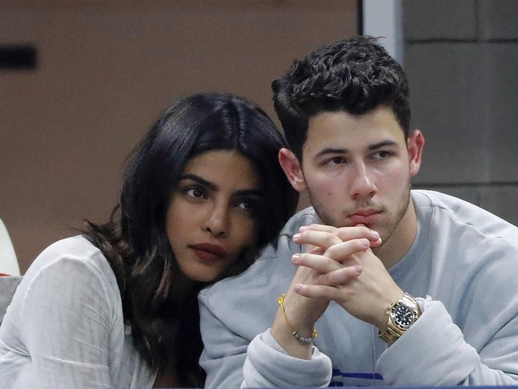 Terkuak! Nick Jonas dan Priyanka Chopra Dekat karena Pesan Singkat