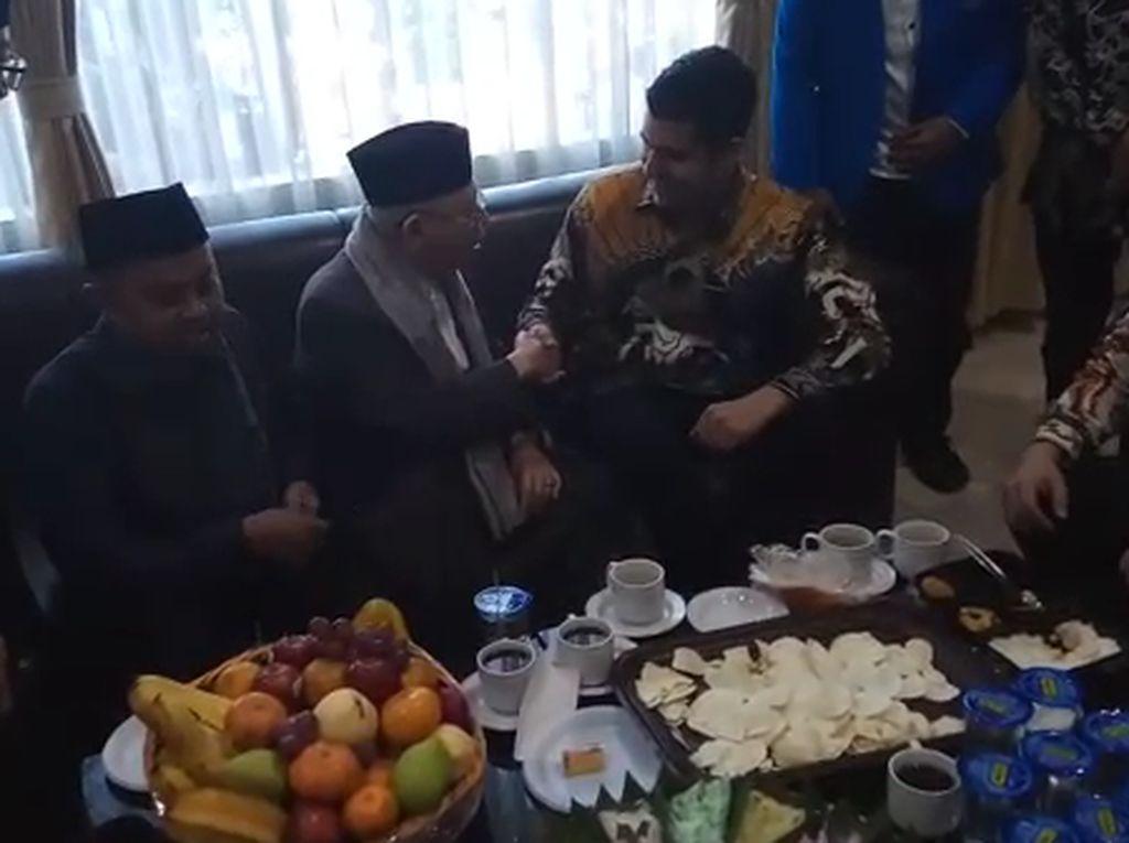Detik-detik Maruf Amin Mualafkan Bule Eduardo Gomez di Bandung