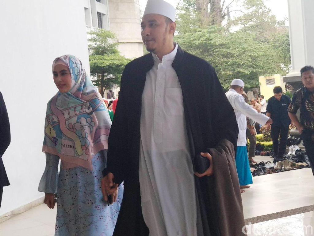 Kartika Putri dan Habib Usman Pilih Tetap Rahasiakan Tanggal dan Tempat Pernikahannya