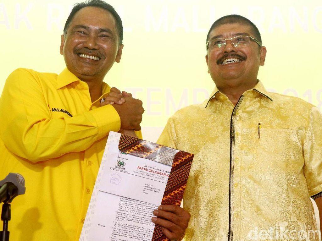 Golkar Serahkan SK Plt Ketua DPD DKI ke Rizal Mallarangeng