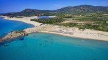 Pulau di Eropa Melawan Turis Nakal yang Bawa Pulang Pasir Pantai