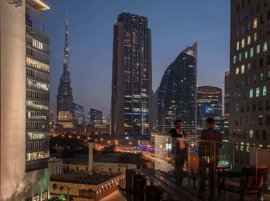 Foto: Rooftop Mewah dengan Pemandangan Cantik di Dubai
