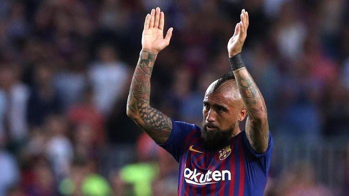 Arturo Vidal dikritik karena ungahan di Instagram (Foto: Albert Gea/Reuters)