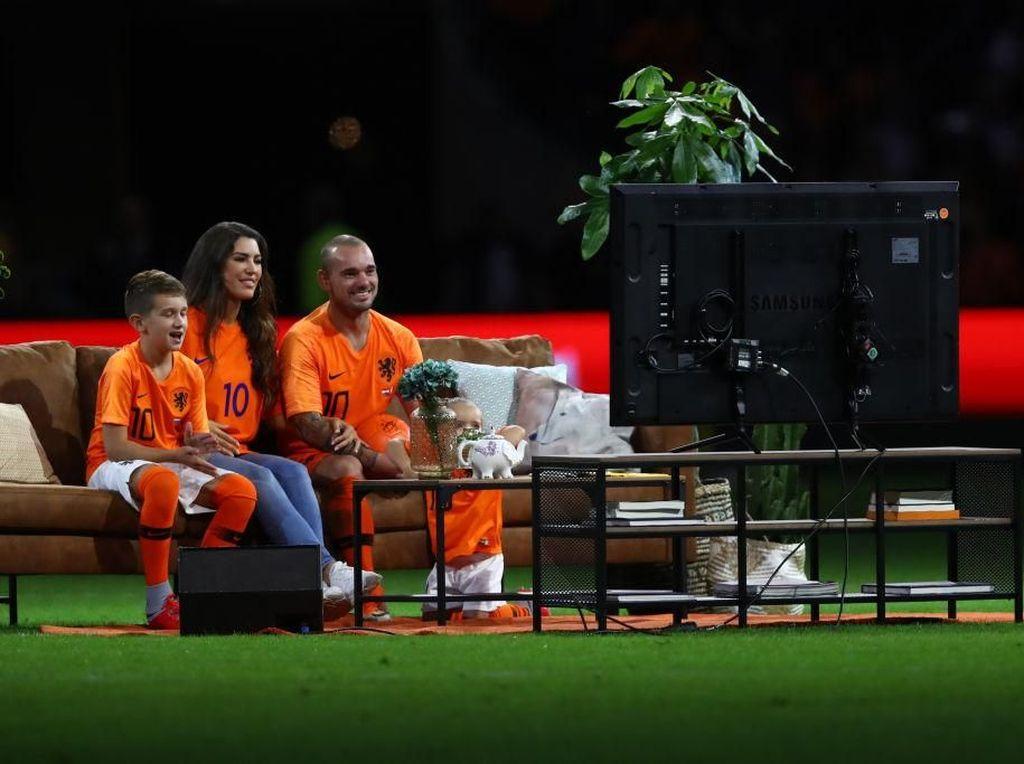 Perpisahan Wesley Sneijder: Duduk di Sofa, Nonton TV di Lapangan