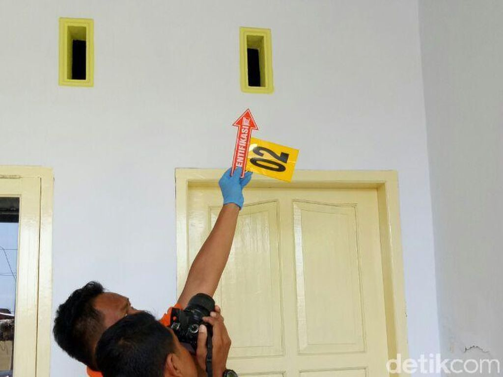 Peluru Nyasar Rusak Rumah Warga di Makassar