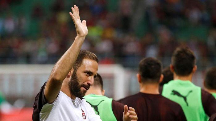 Gonzalo Higuain dilepas Juventus ke AC Milan setelah kedatangan Cristiano Ronaldo (Foto: Stefano Rellandini/Reuters)