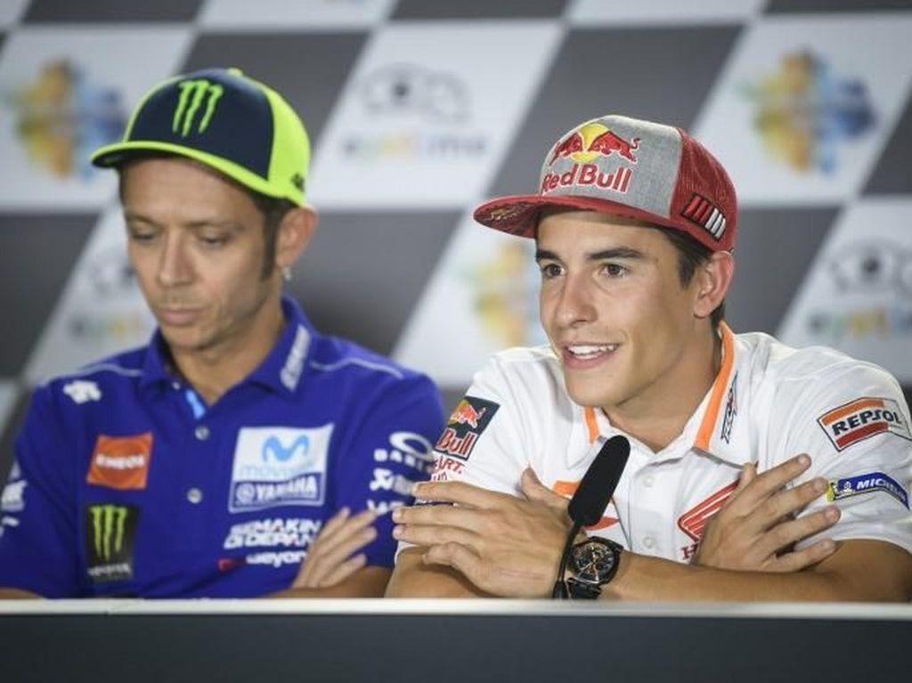Rossi Tolak Bersalaman dengan Marquez!