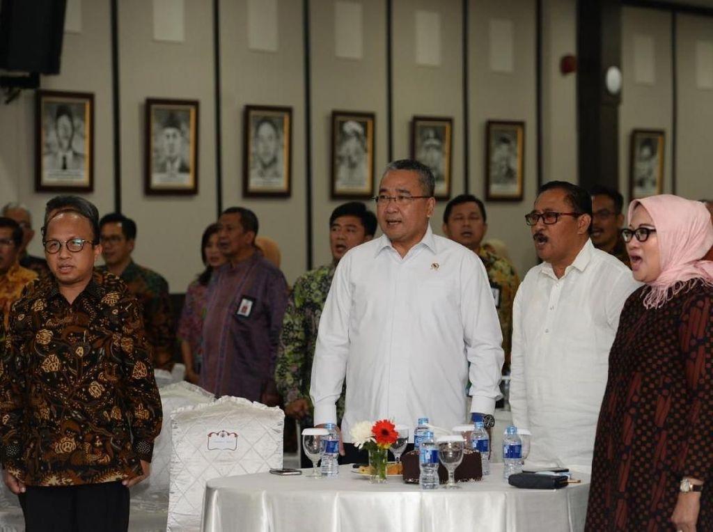 Mendes Sebut Kemajuan Kementerian Desa Paling Baik