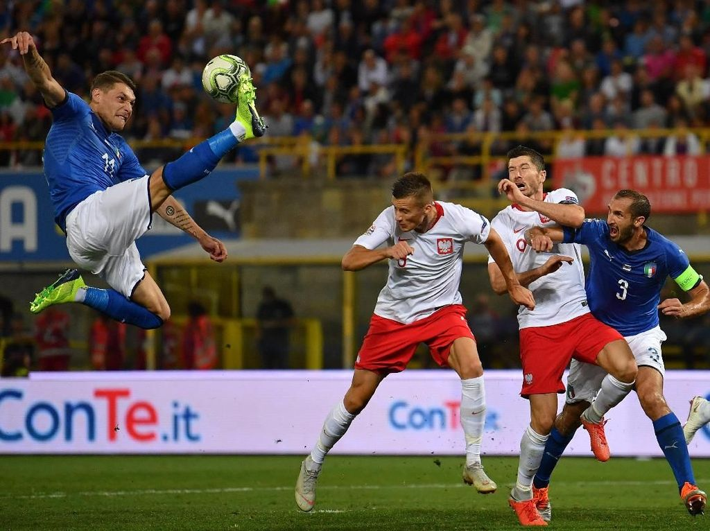 Italia Berbagi Angka dengan Polandia