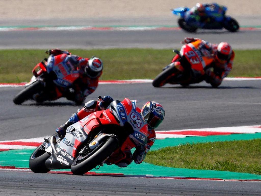 Dovizioso Juara MotoGP San Marino, Lorenzo Jatuh