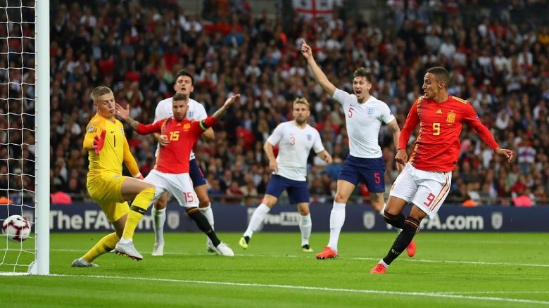 Spanyol menang 2-1 atas Inggris. (Foto: Catherine Ivill/Getty Images)