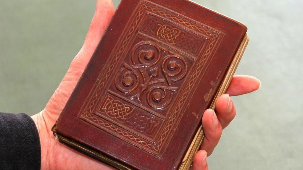 Percaya Nggak? Buku-buku Ini Harganya Ratusan Miliar Rupiah