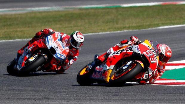 Marc Marquez sempat memimpin kualifikasi sebelum dikalahkan duo Ducati di saat akhir.