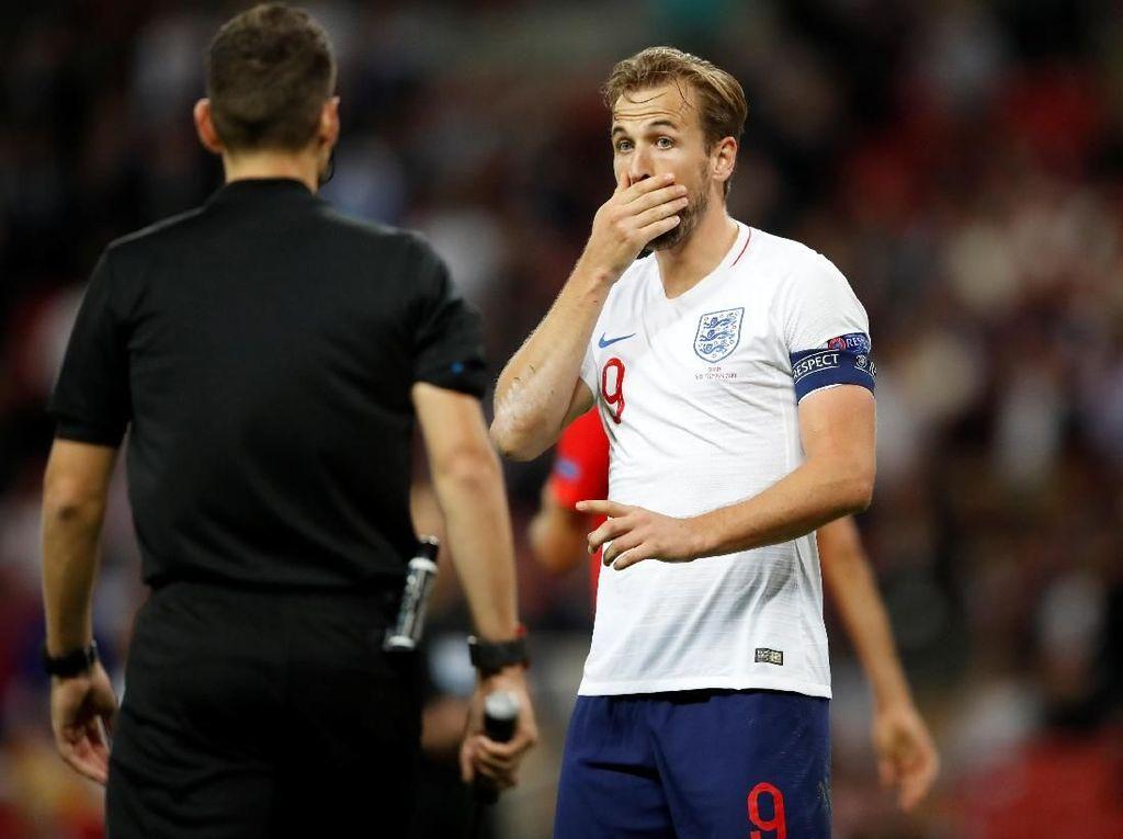 Gol Welbeck Dianulir, Kane: Wasit Kurang Tegas