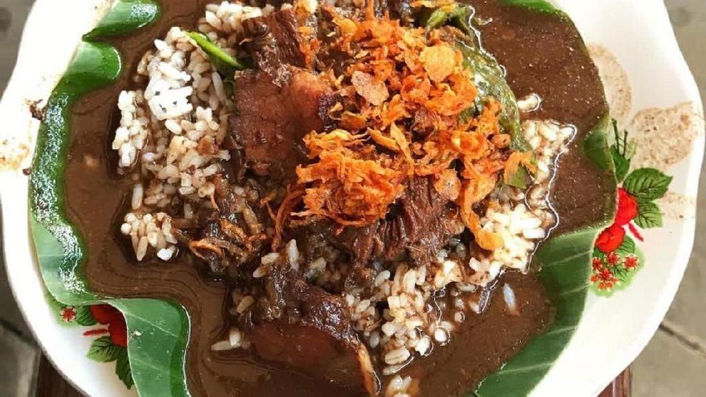 Yuk, Sarapan Nasi Pindang Daging yang Hangat dan Gurih!