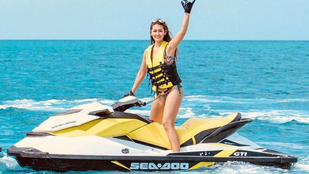 Foto: Maria Selena & Kevin Sanjaya Sama-sama Hobi Main Jet Ski