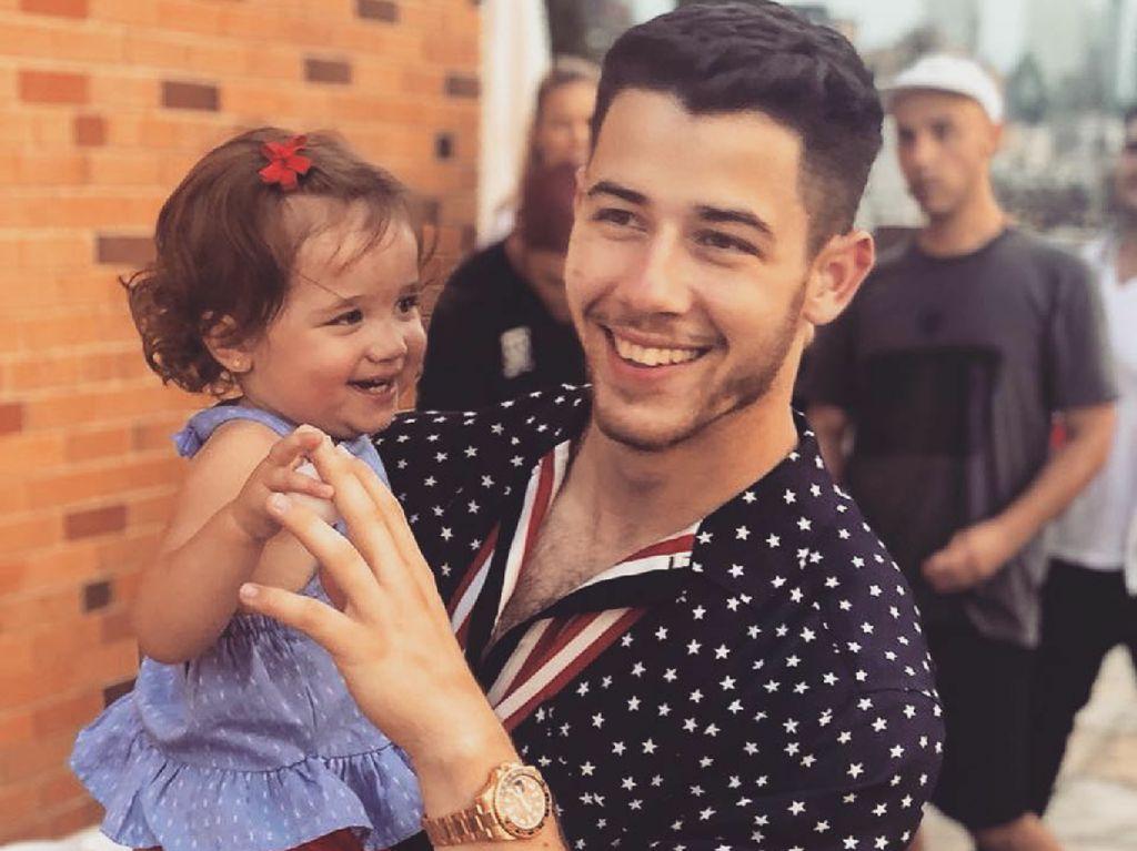 Sosok Kebapakan Calon Suami Priyanka Chopra, Nick Jonas