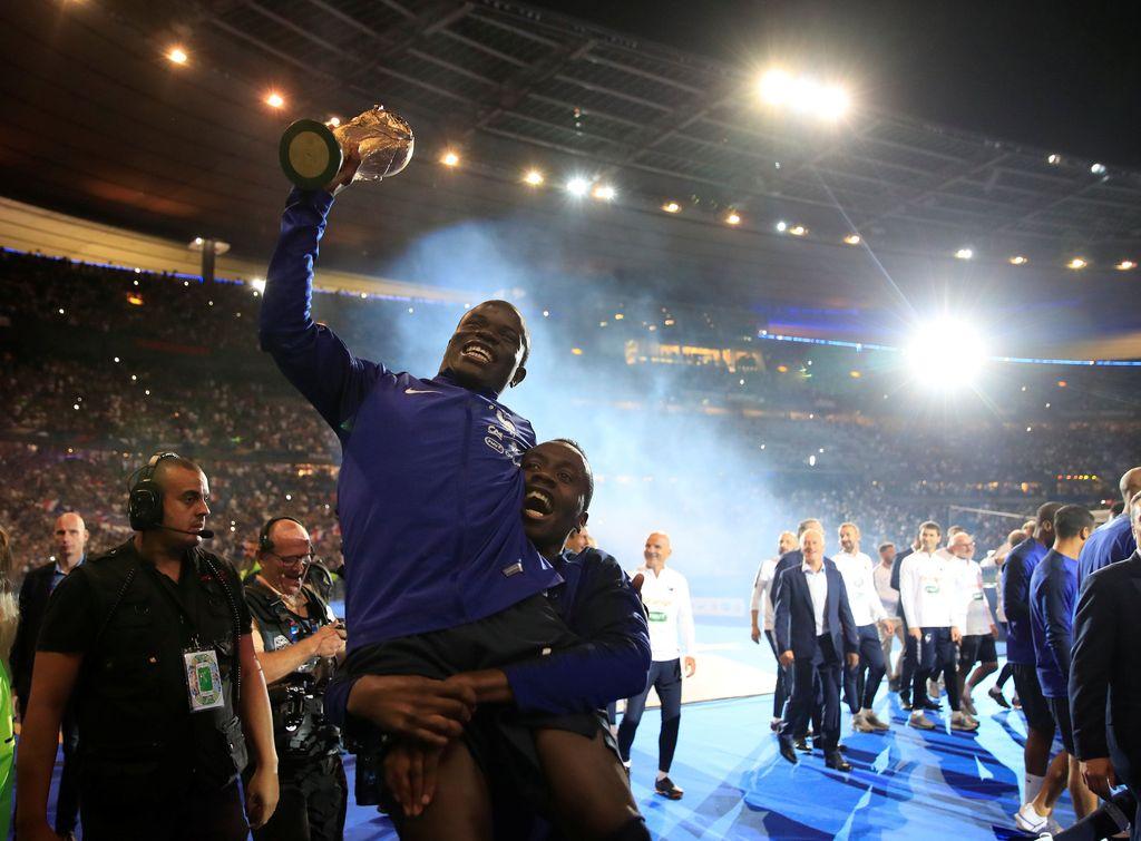 N'Golo Kante yang merupakan pemain penting di timnas Prancis dengan persembahan trofi Piala Dunia 2018