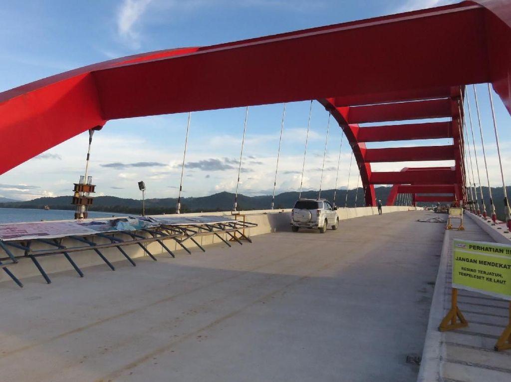 Jembatan Kebanggaan Jokowi di Papua Beroperasi Penuh Mei 2019