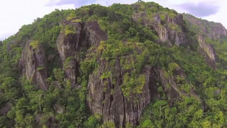 Kawasan karst di Geopark Gunung Sewu (Youtube/BADAN GEOLOGI INDONESIA)