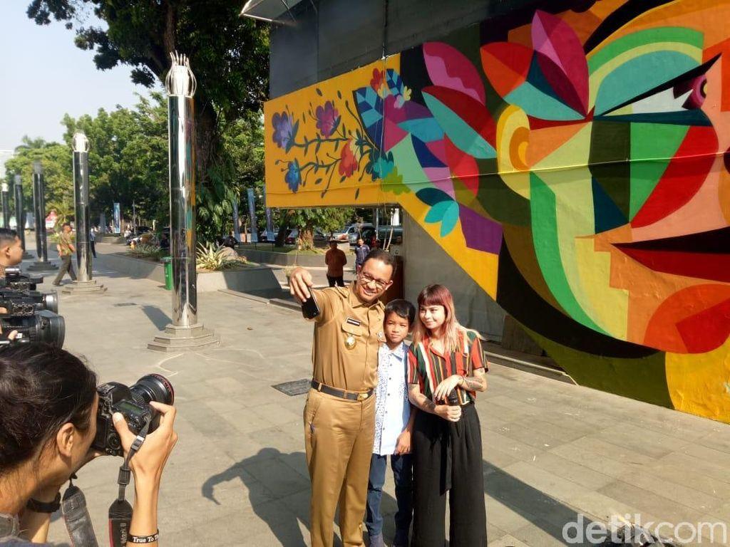 Resmikan Mural Seniman Kolombia, Anies: Kita Ingin DKI Jadi Kanvas
