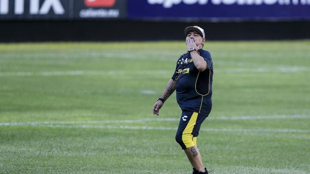 Respons Menohok pada Maradona Usai Kritik Solari