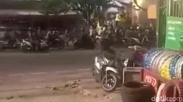 Bentrok Ormas di Jaksel, Sejumlah Motor Dirusak
